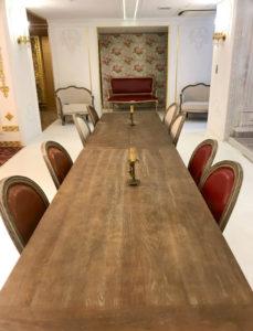 豪華な長テーブル